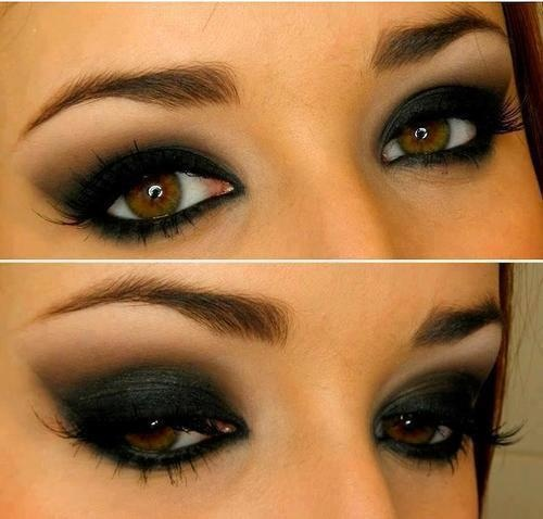 Smoky eyes style for ladies