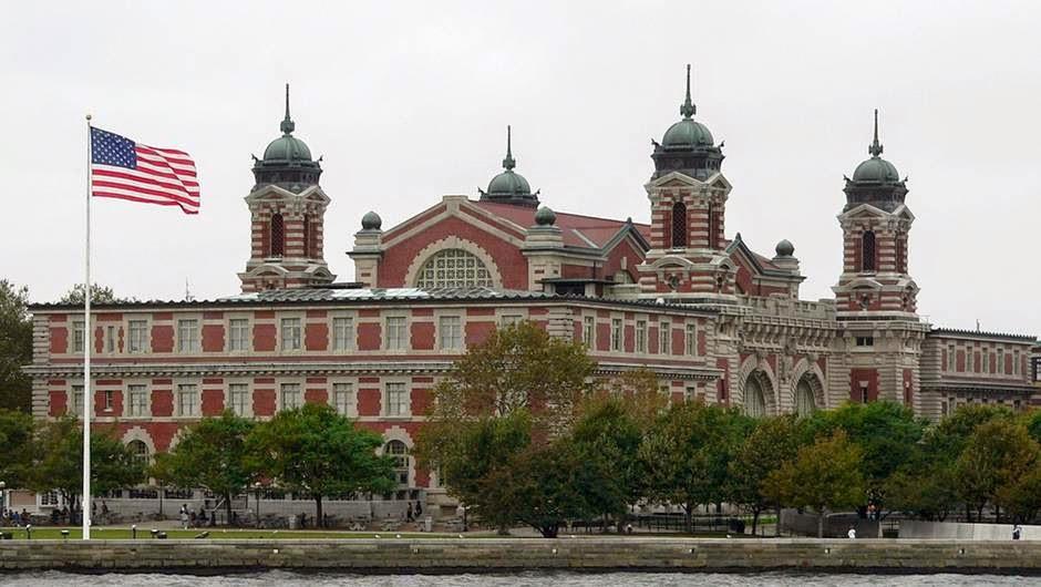 Ellis Island Appartient A