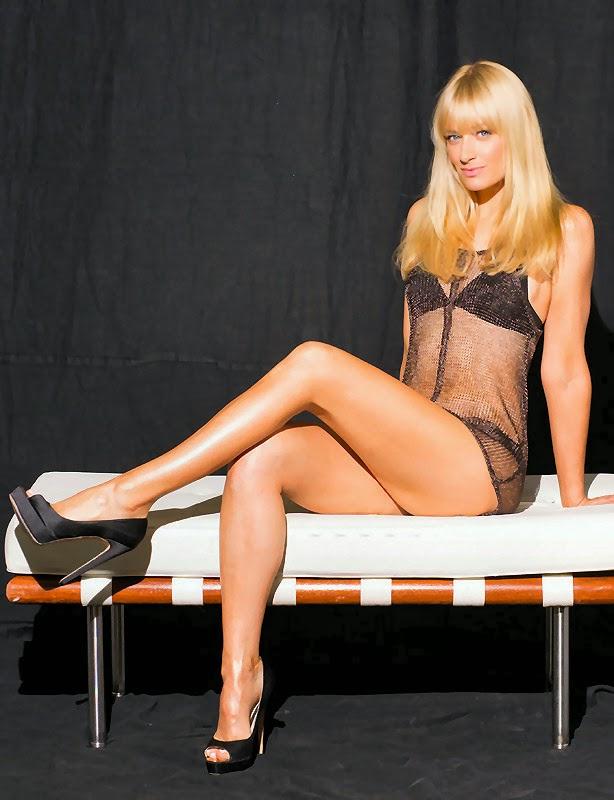 Beth Behrs has great long legs