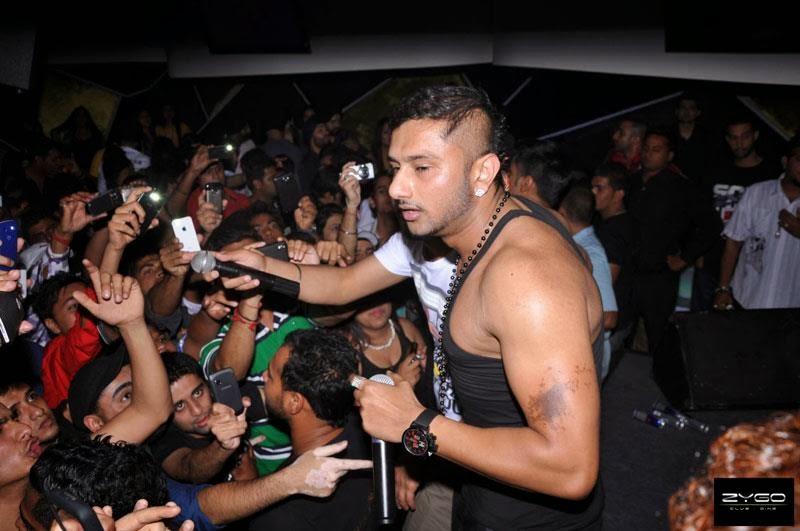 Yo Yo Honey Singh Wife