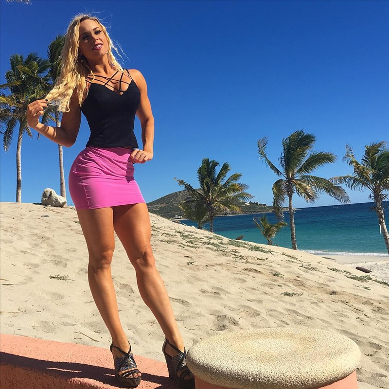 03 Fitness Model Lauren Drain