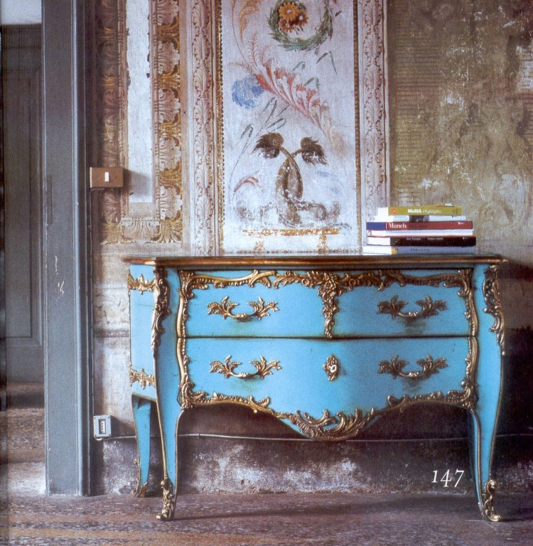 Antique italian classic furniture turquoise chest of for Antiques decoration