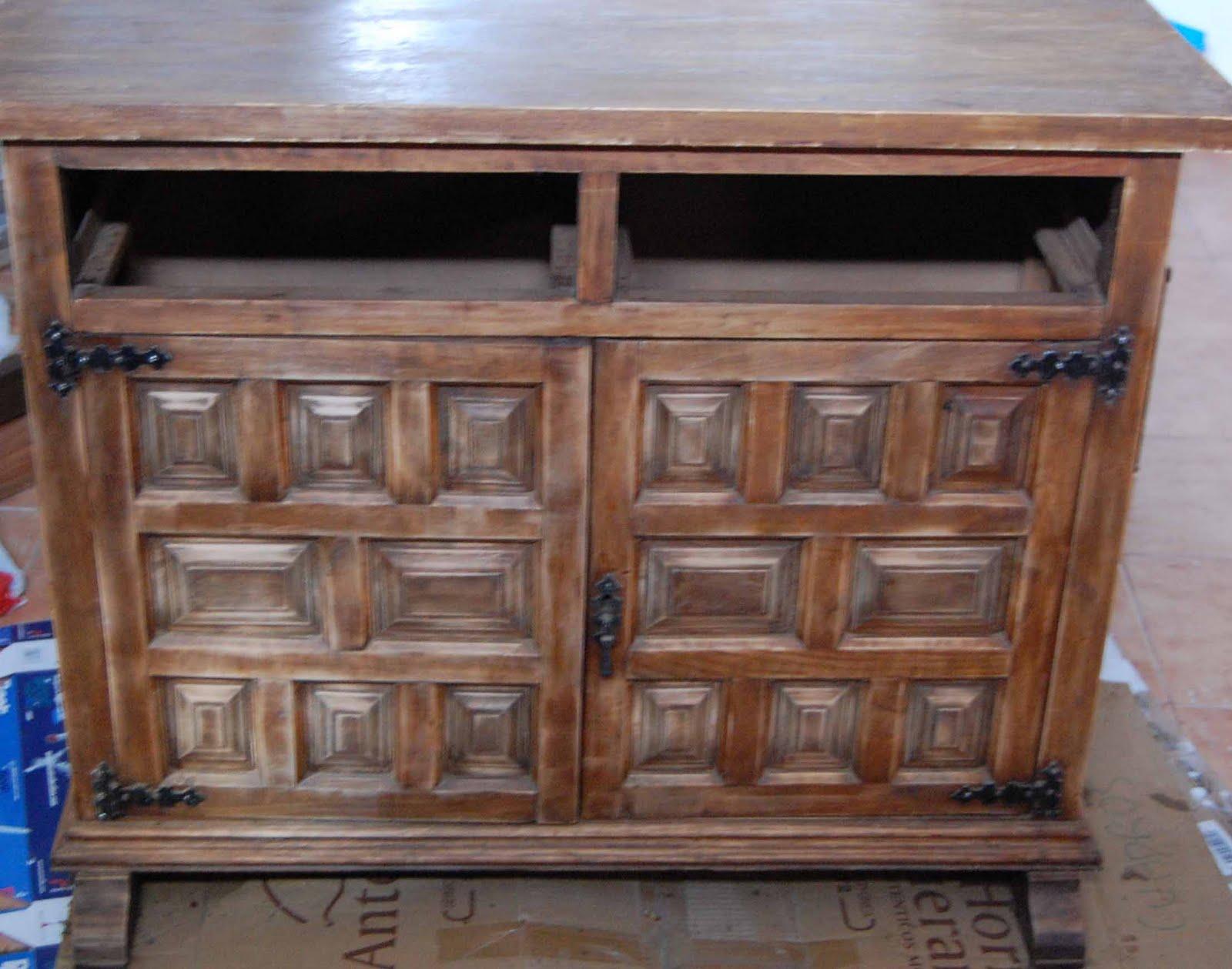 Naifandtastic decoraci n craft hecho a mano - Restaurar mueble madera ...