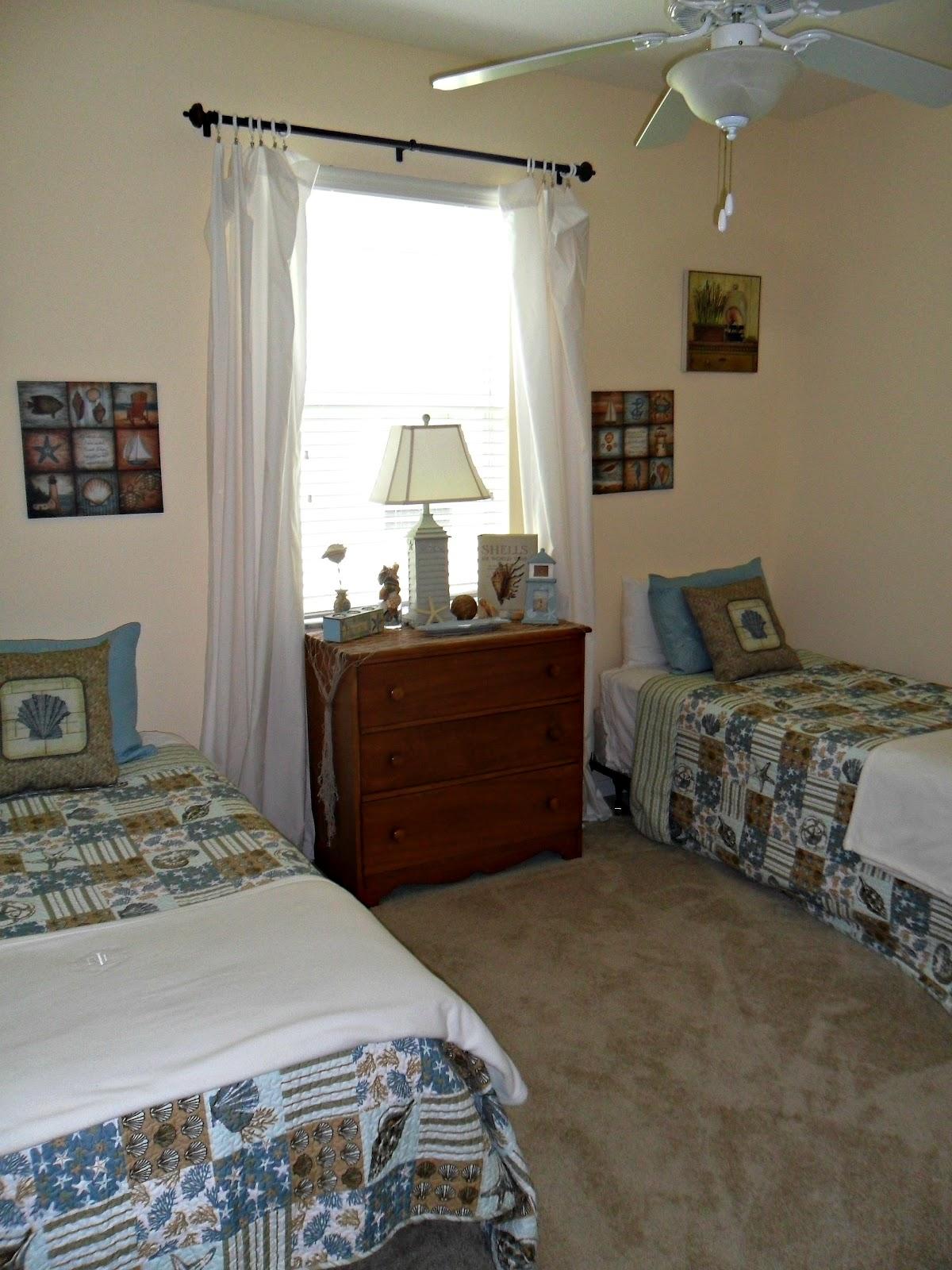Small Flies In Bedroom Robin Flies South Kids Guest Room