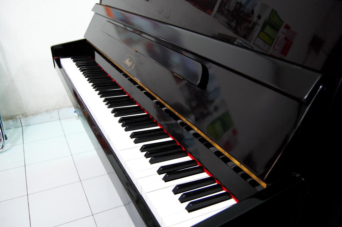 Jual Piano Bekas Kondisi Prima Piano Ukuran Medium Buatan