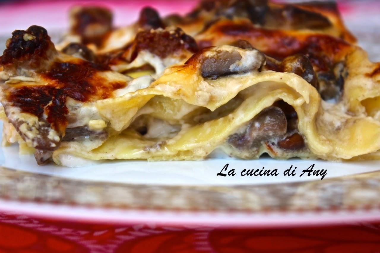 lasagna ai funghi, salsiccia e scamorza affumicata - lasagna cu ciuperci, carnati si branza afumata