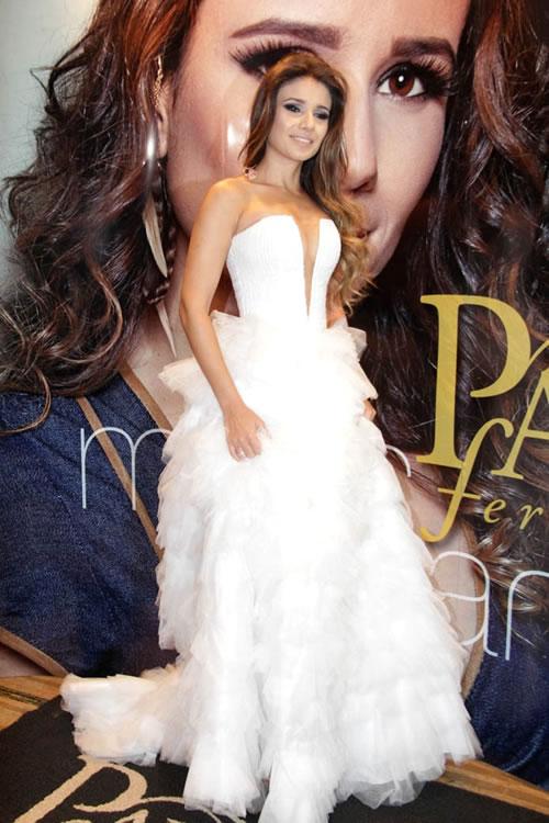 Vestido branco Paula Fernandes