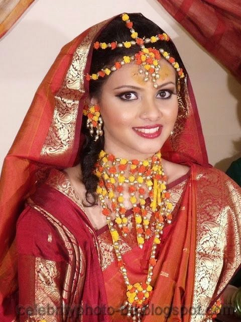Beautiful+BANGLADESHI+BRIDE+WITH+GORGEOUS+MAKE UP+Photos+Collection024