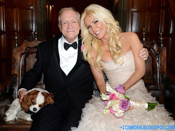 Hugh Hefner and Crystal Harris marry on New Year's Eve