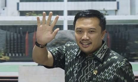 Menpora: Jokowi Tahu Sepak Bola Indonesia Ingin Hidup Kembali!