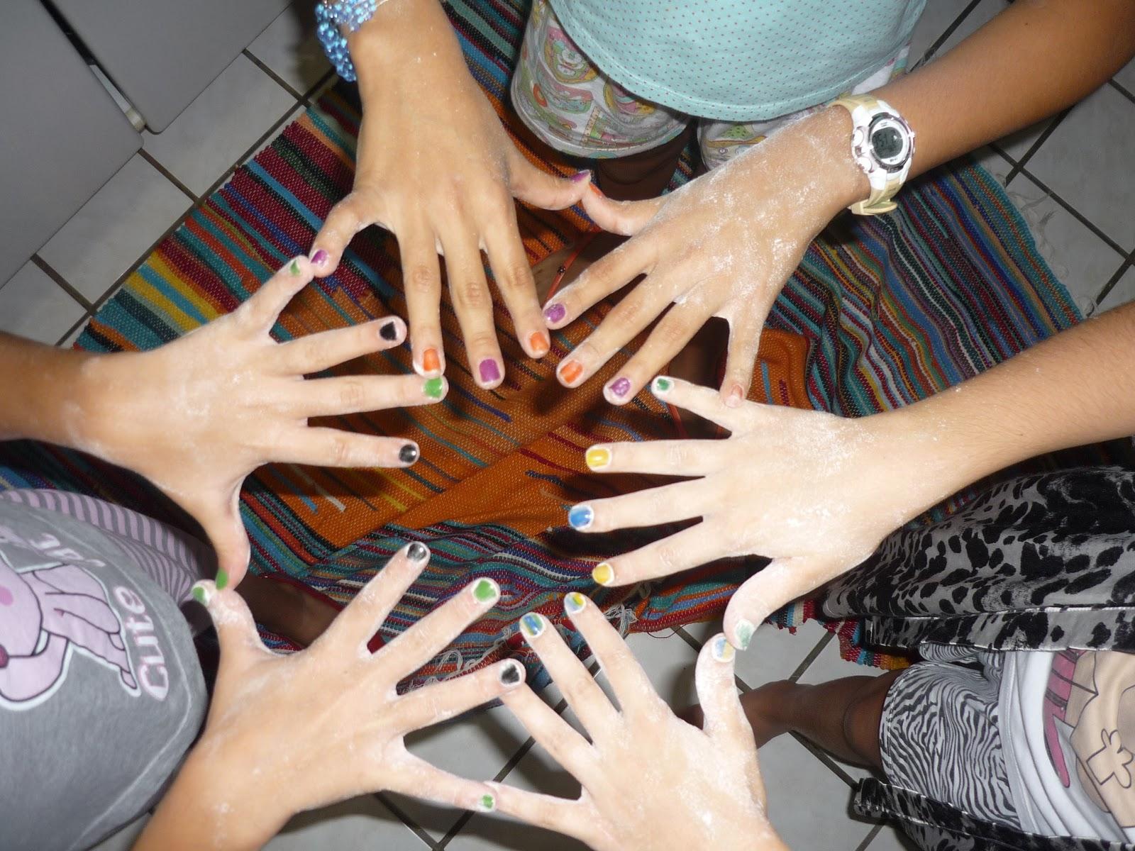 http://3.bp.blogspot.com/-QdKrliDPl90/TVoIHjUJP5I/AAAAAAAADIQ/mqdb3HV-INg/s1600/Festa+do+pijama+049.JPG
