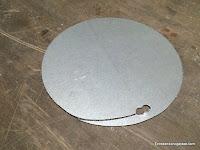 Circulo interior de metal con corte de aproximación. www.enredandonogaraxe.com