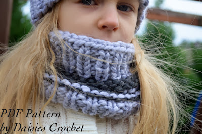 knitting girl cowl pattern