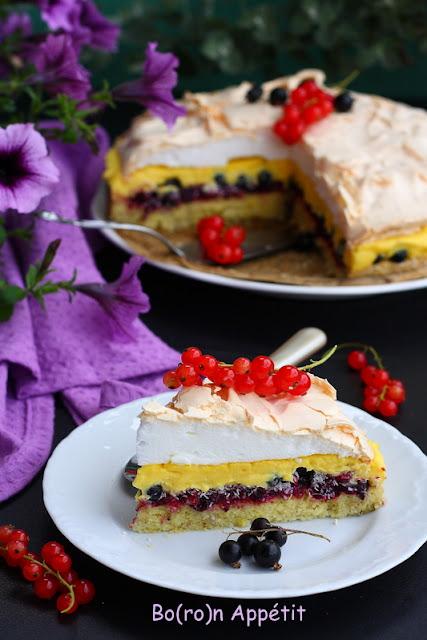 Przepis na tort z porzeczkami
