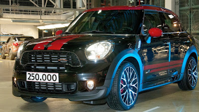 MINI Celebrates the 250,000th Countryman Produced