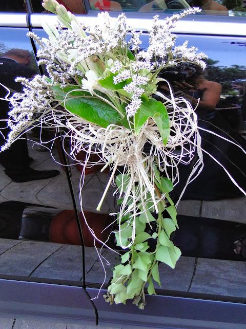 coche boda decorado flores