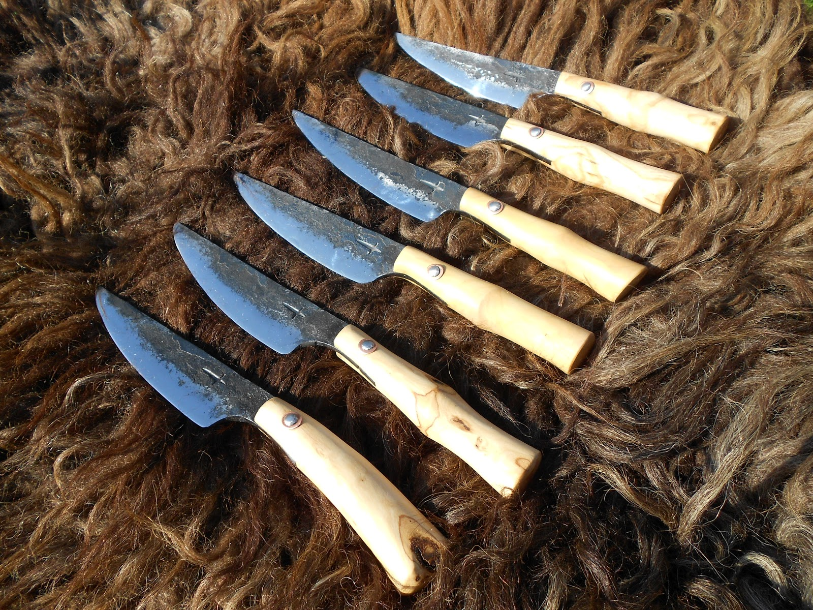 la forge de lebtryus service de couteaux viande. Black Bedroom Furniture Sets. Home Design Ideas