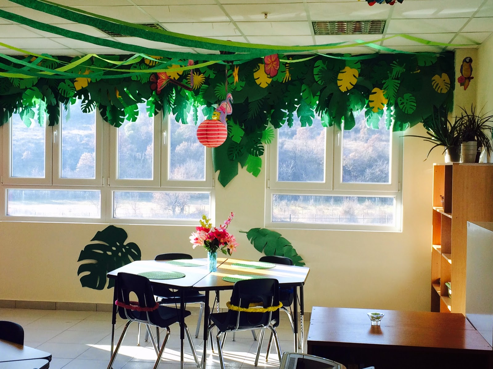 Classroom Party Ideas ~ The charming classroom island jungle theme