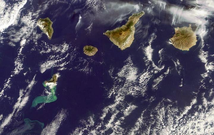 Volcanic eruption links Hawaiian, Canary Islands.