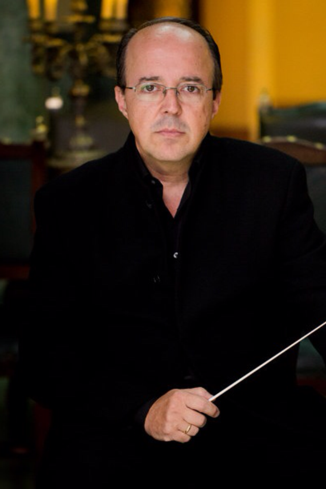 Director:           José Carlos Carmona