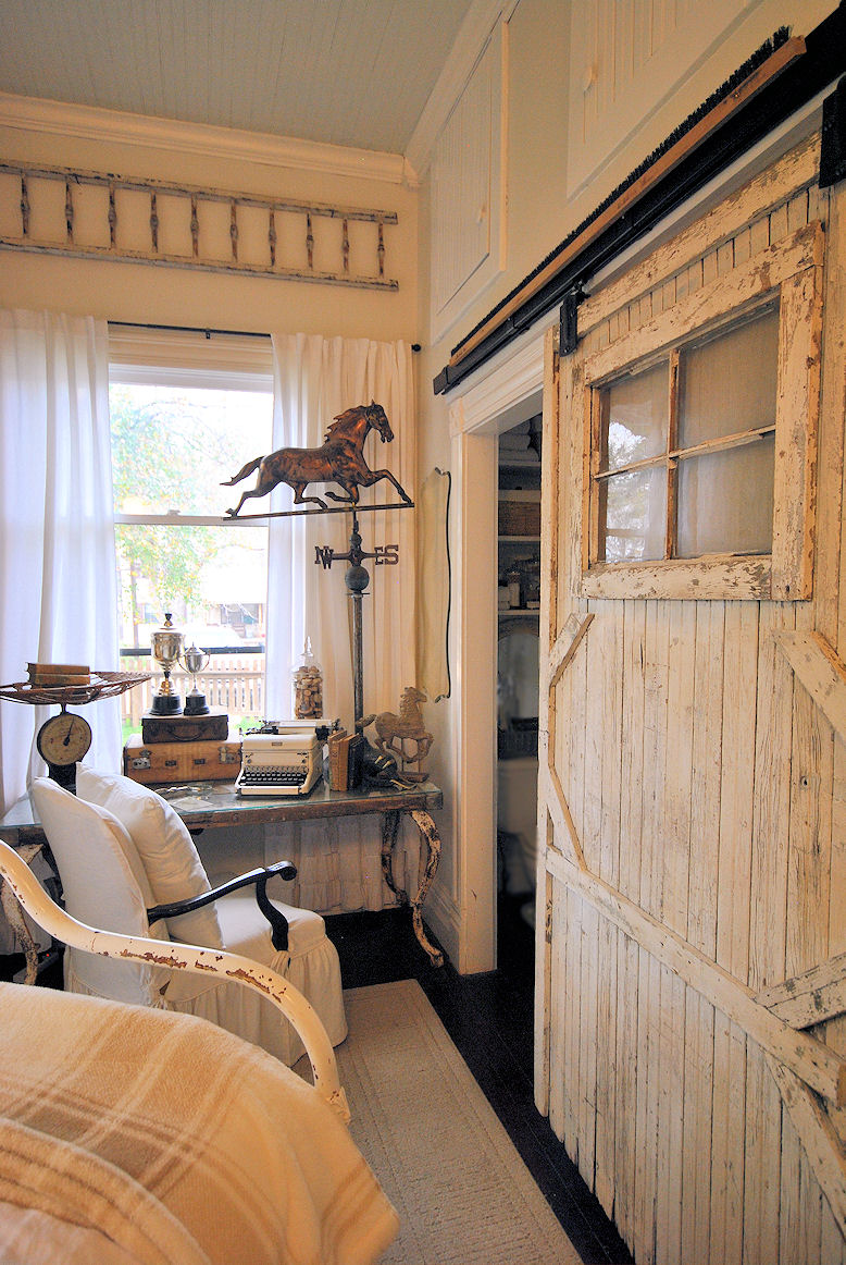 LaurieAnna s Vintage Home Farmhouse Bedroom Reveal