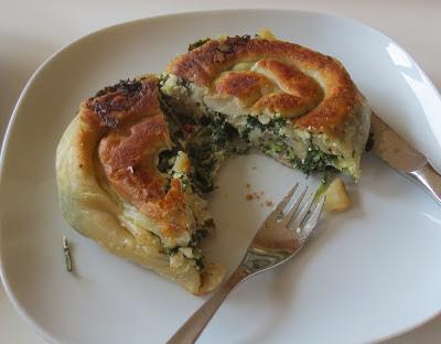 Spinat-Schafkäse-Börek aus der Pfanne