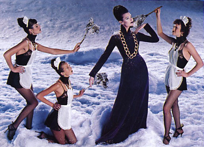 Shalom Harlow & Karen Elson, Danielle zinaich, Lana Ogilvie, Maggie Rizer & Meghan Douglas in 12 days of Christmas / Vogue US December 1998 (photography: Steven Meisel, styling: Grace Coddington) via fashioned by love british fashion blog