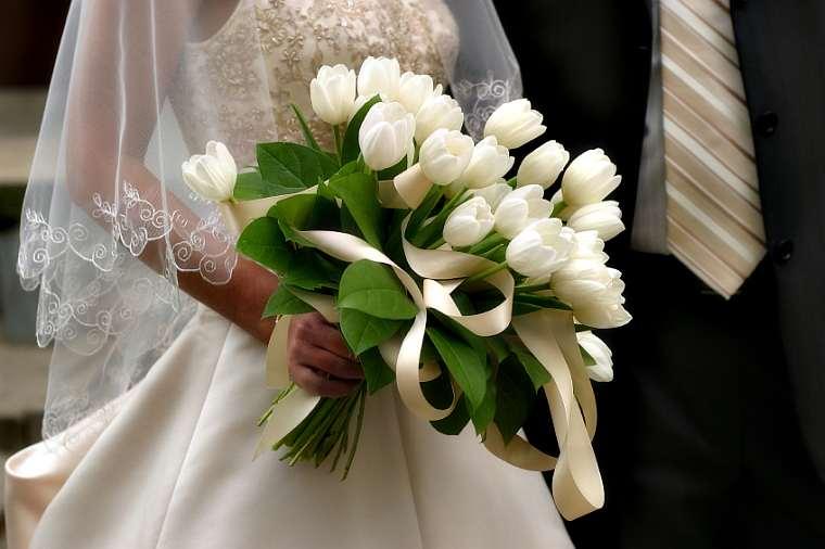 Beautiful Bridal: Tulip Wedding Bouquets