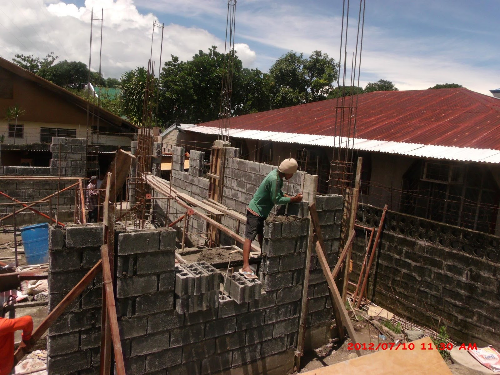 House construction project of LB Lapuz Architects & Builders ...