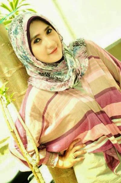 Gadis Montok Berjilbab Mantan Foto Model Dewasa (HOT)