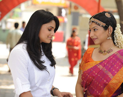 Divya Spandhana Hot in Kadhal 2 Kalyanam Stills