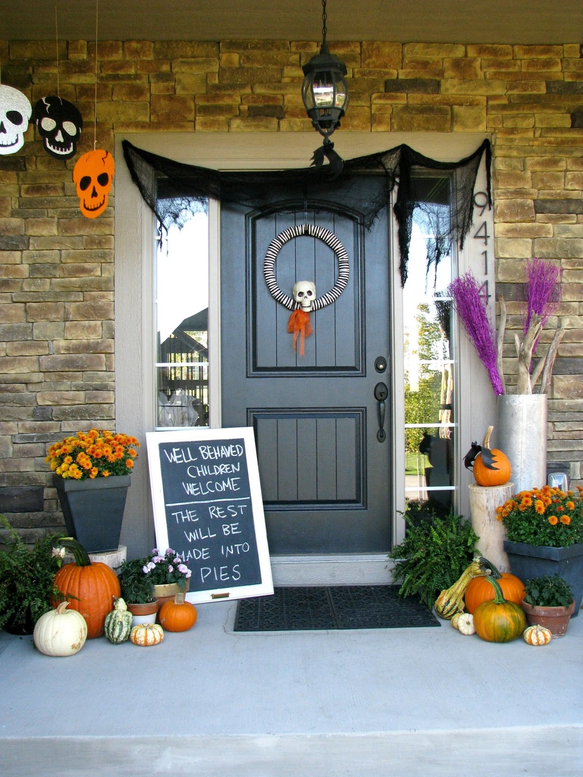 Outdoor halloween decorations 2014 - Halloween Porch 2014 Life Love Larson Outdoor Halloween Decorations