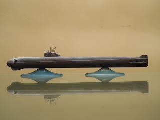 maqueta de submarino nuclear clase november k-3 de zvezda