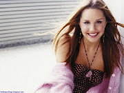 Download Amanda Bynes Brown Hair For Your Mobile Phone