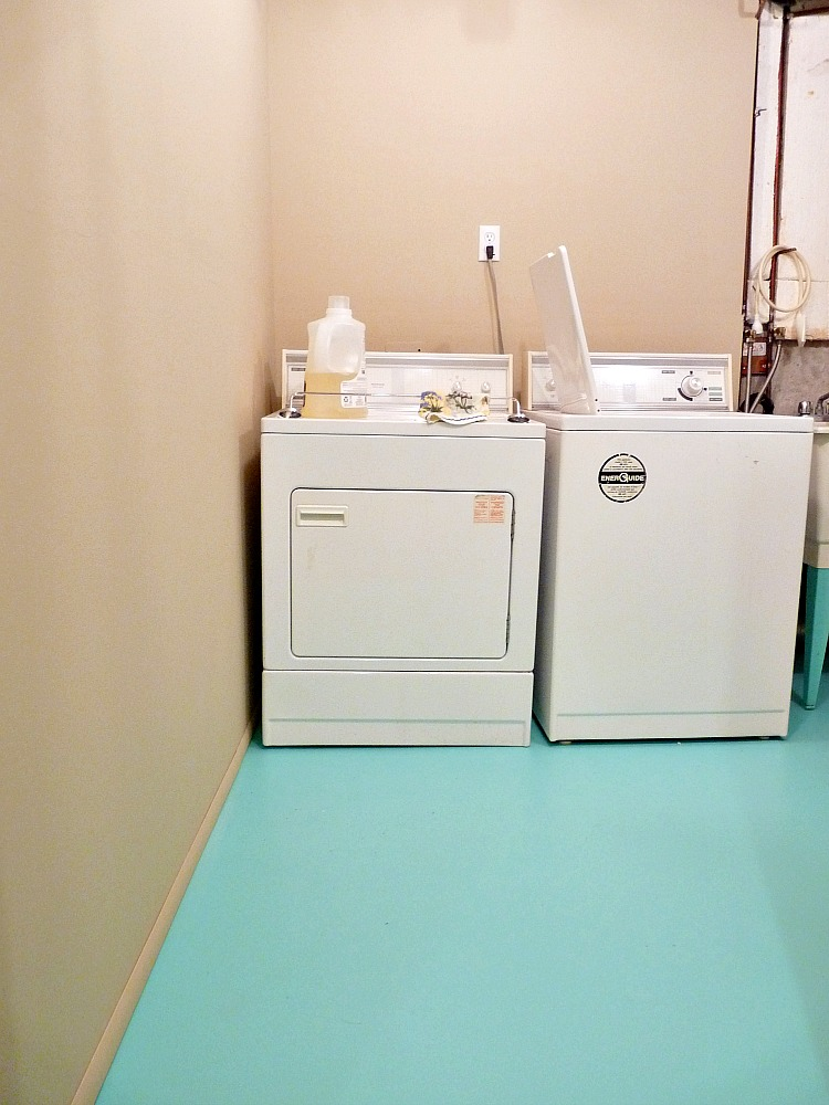 Budget basement laundry roo makeover ... & Basement Update: How to Paint a Concrete Laundry Room Floor ...