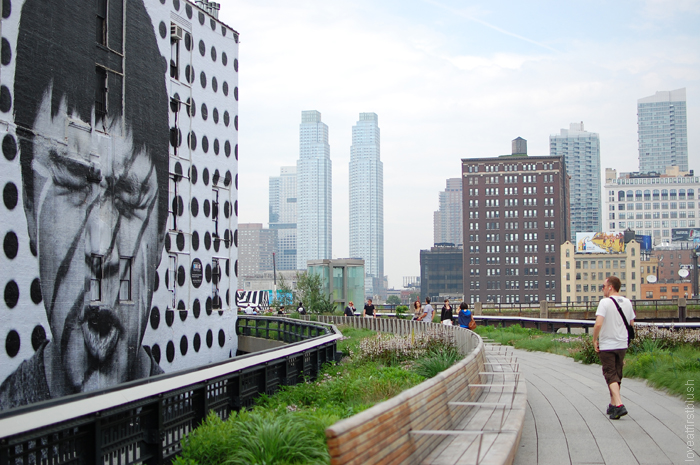 Black and White Graphic Art on the High Line