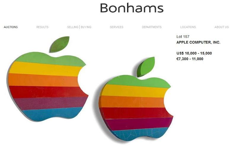 Enseigne Apple en vente aux enchères