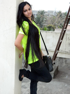 neon tshirt, how to wear neon in india, river island lace neon shirt, lace neon, trends in 2013, indian fashion blogger, black jeans, neon outfit ideas, mumbai fashion blogger