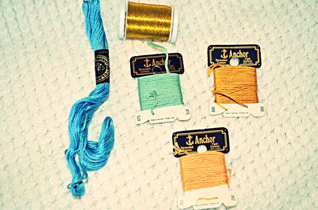 audrey hepburn tutorial, fashion blogger, gold thread, blue thread, teal, sewing