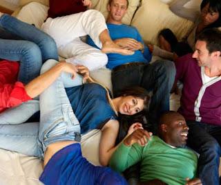 Những trò bệnh hoạn trong hội trao đổi bạn tình