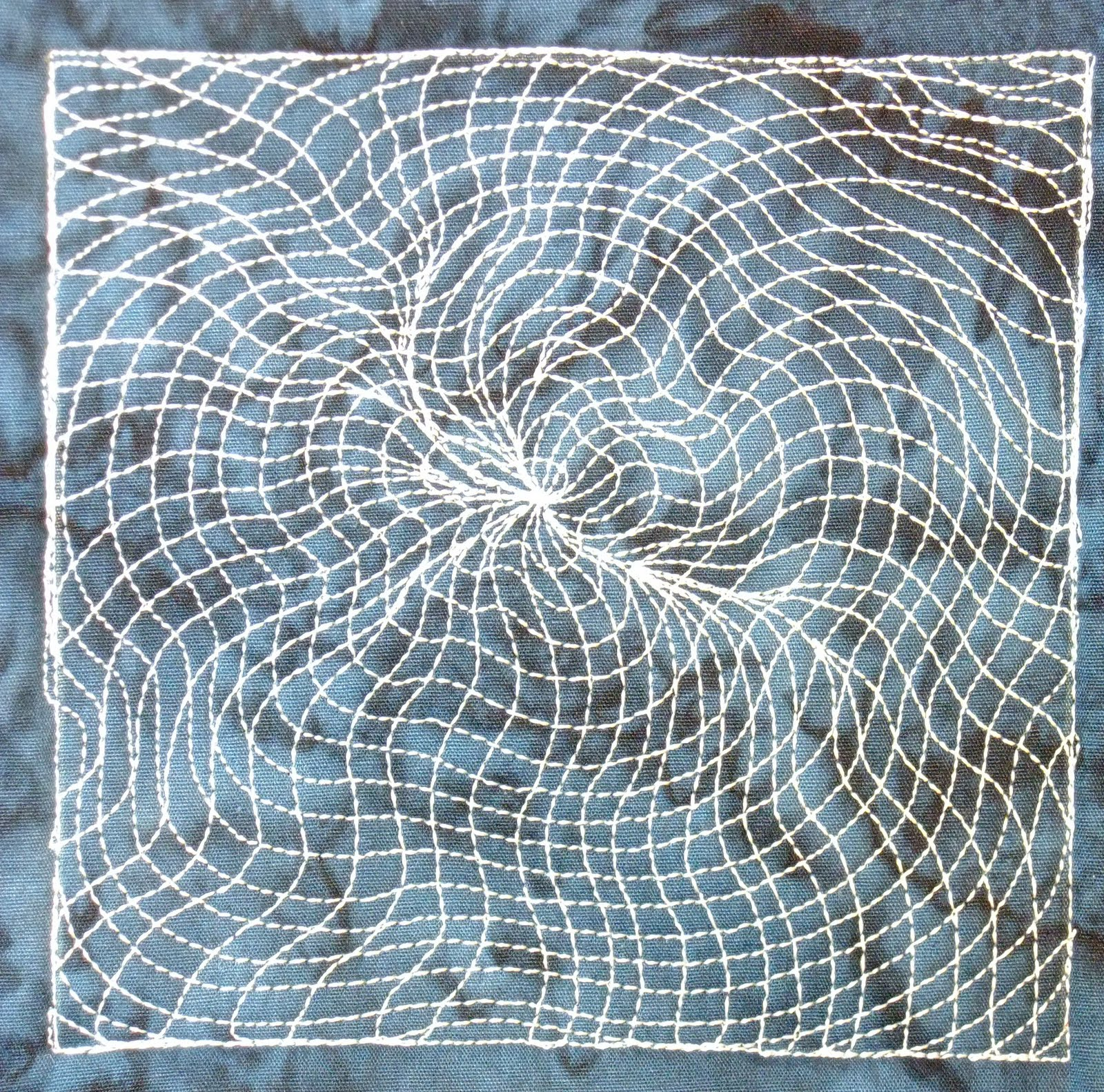 The Free Motion Quilting Project: Day 360 - Blackhole Matrix : the free motion quilting project - Adamdwight.com