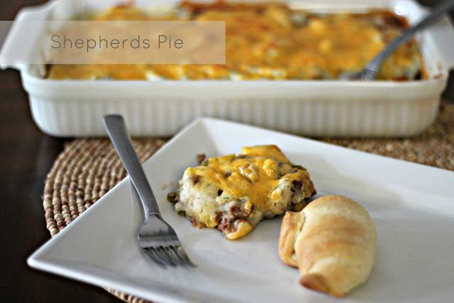 Shepherds Pie {The Marrs version}  #recipes #shepherdspie