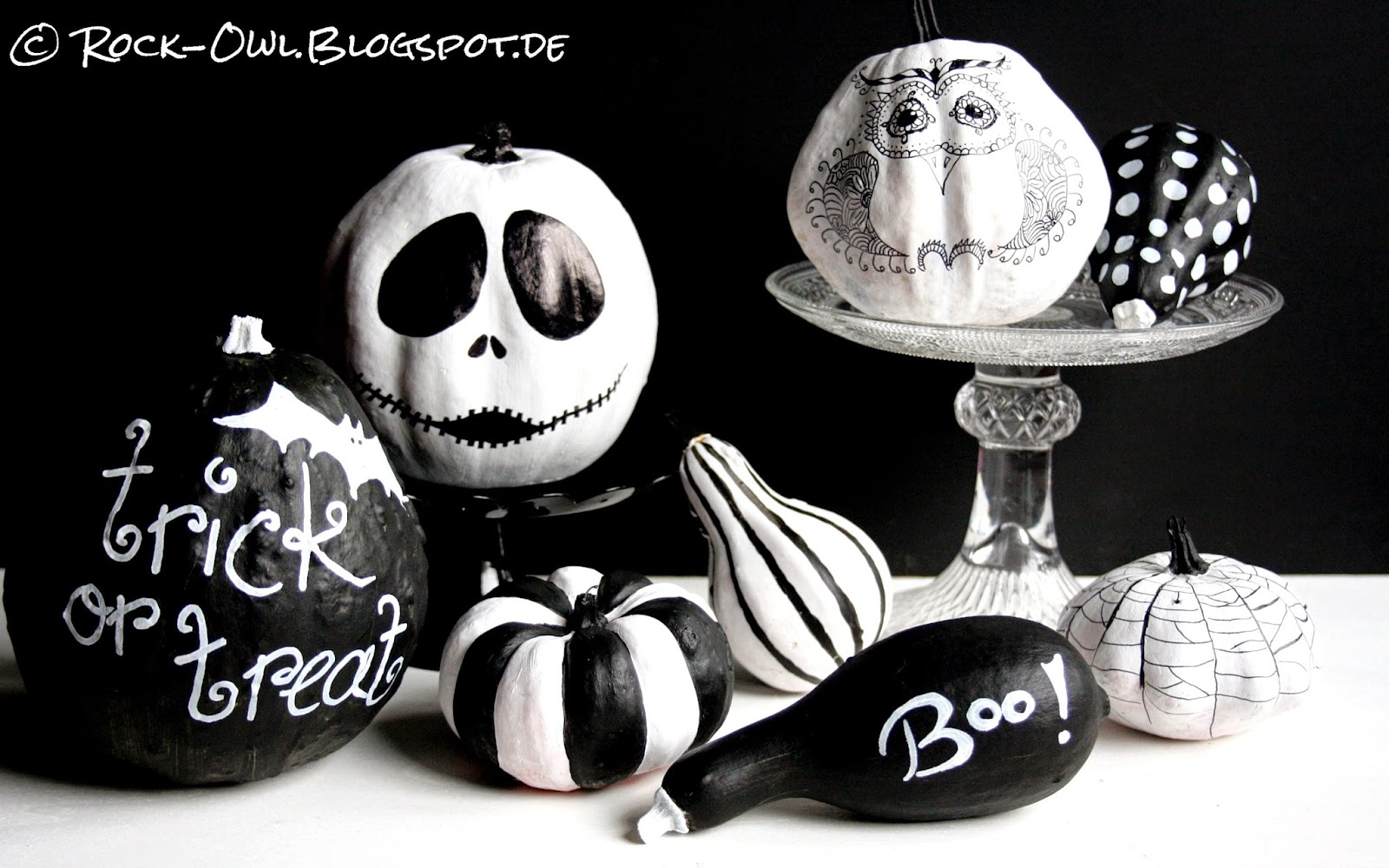 rock and owl blog trick or treat halloween pumpkins in. Black Bedroom Furniture Sets. Home Design Ideas