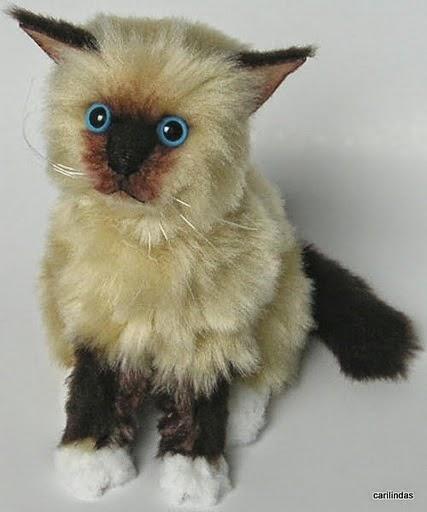 Moldes gato realista de tecido