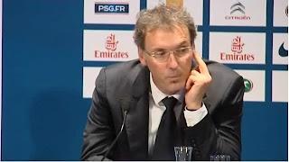 Laurent Blanc a-t-il fait un doigt d'honneur à un journaliste de l'Equipe ?