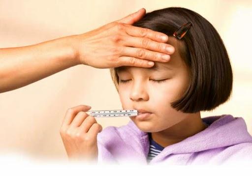 artikel dunia anak tentang demam menurut dokter