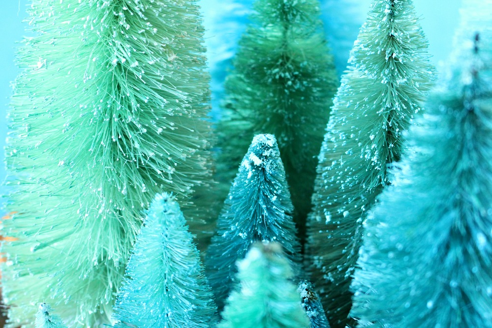 Dyed bottle brush trees DIY