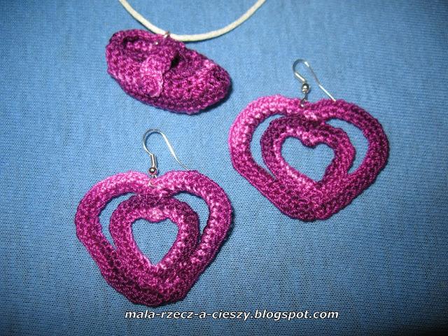 Komplet biżuterii robiony na szydełku