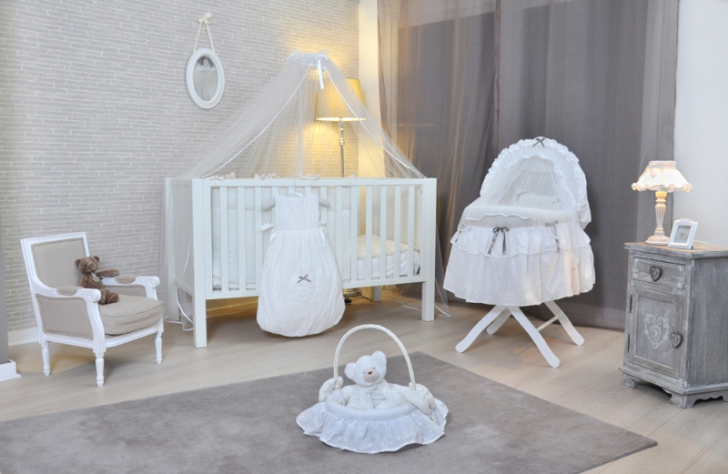 perfect idees d chambre chambre bebe style anglais collection chic et uepurue with chambre bebe. Black Bedroom Furniture Sets. Home Design Ideas