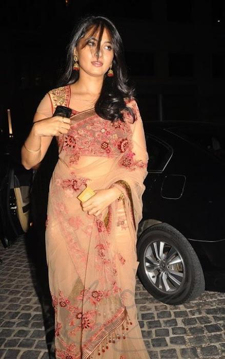 anushka shetty at 58th filmfare awards 2011 actress pics